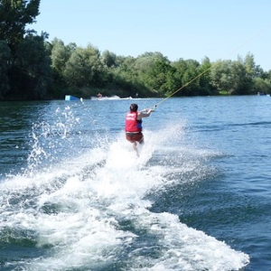 "Wakeboard und Wasserskievent 2015 • <a style=""font-size:0.8em;"" href=""http://www.flickr.com/photos/138575543@N08/23953688039/"" target=""_blank"">View on Flickr</a>"