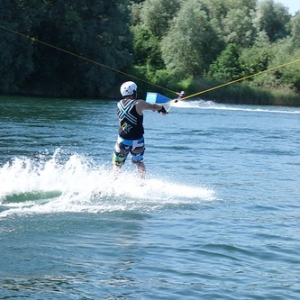 "Wakeboard und Wasserskievent 2015 • <a style=""font-size:0.8em;"" href=""http://www.flickr.com/photos/138575543@N08/23953653149/"" target=""_blank"">View on Flickr</a>"