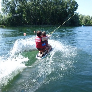 "Wakeboard und Wasserskievent 2015 • <a style=""font-size:0.8em;"" href=""http://www.flickr.com/photos/138575543@N08/24321479035/"" target=""_blank"">View on Flickr</a>"